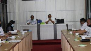 Bupati Takalar Syamsari Kitta memimpin rapat terkait capaian desa ODF, beberapa waktu lalu. (Ist)