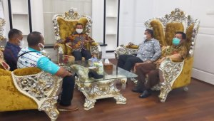 Bupati Takalar Syamsari Kitta menerima kunjungan pengurus Dekopin Sulsel dan Takalar di Rujab, Sabtu 6 Februari 2021. (Ist)