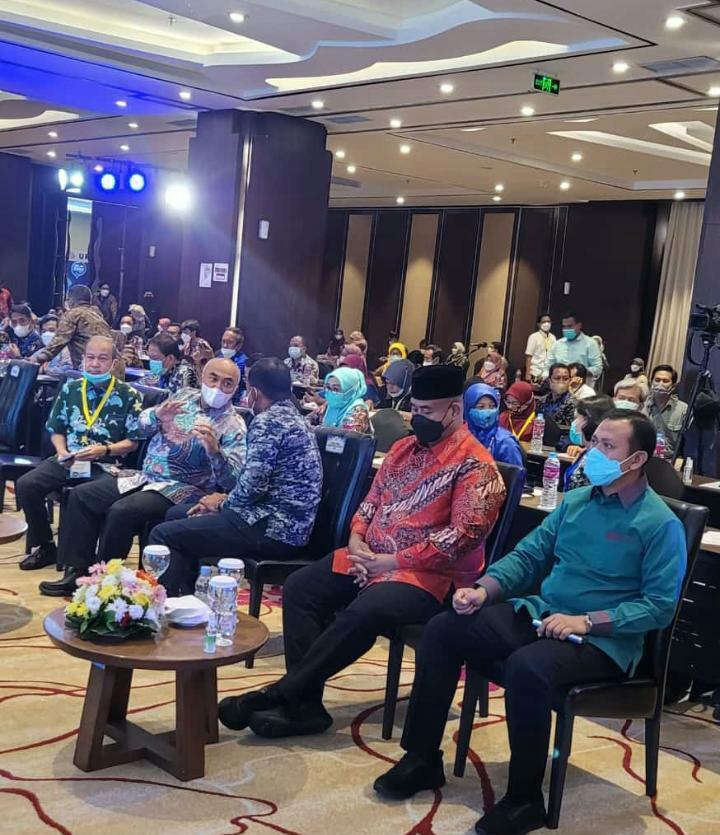 Bupati Takalar Syamsari (paling kanan) saat rapat kerja teknis Direktorat Jenderal Perikanan Budidaya Perikanan, Selasa 6 April 2021.