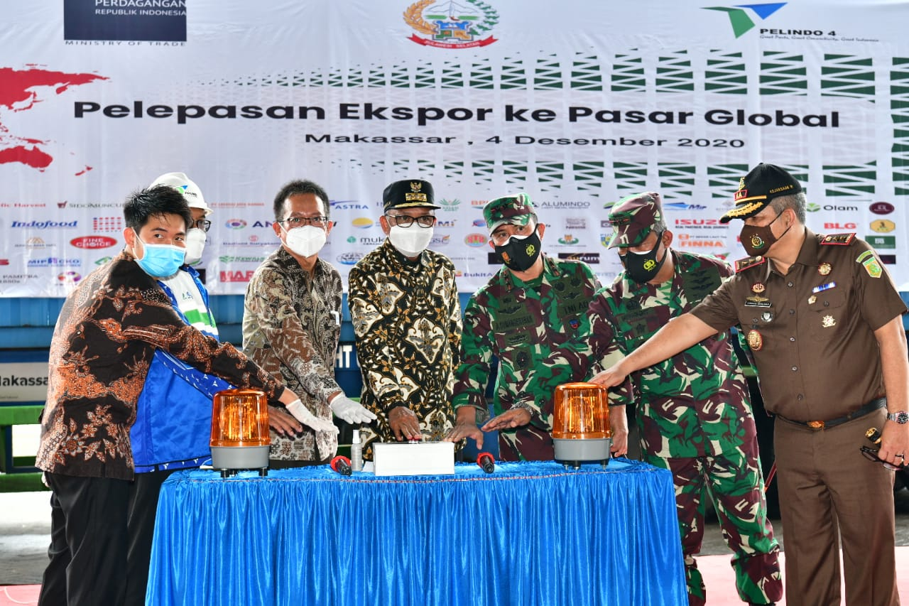 Gubernur melepas ekspor berbagai komoditas ke 15 negara tujuan, Jumat 4 Desember 2020. (Ist)