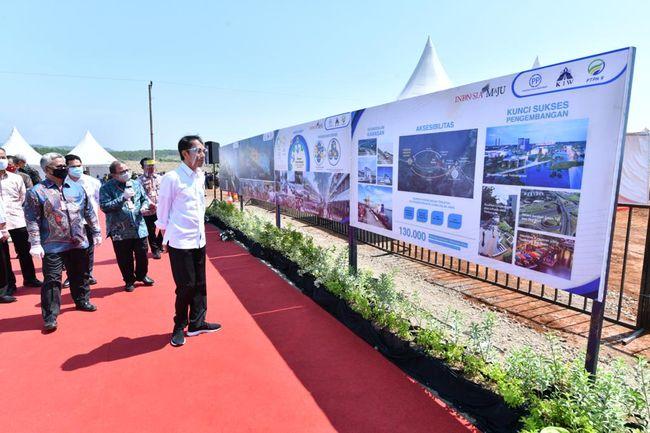 Jokowi saat meninjau kawasan industri Batang, Jawa Tengah beberapa waktu lalu. (Int)