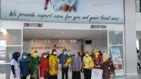 KPPG Sulsel saat mengunjungi RS Paramount di Jalan AP Pettarani dalam rangka Hari Kartini, Rabu 21 April 2021. (Ist)