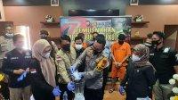 Kapolres Takalar AKBP Beny Murjayanto memusnahkan barang bukti jenis sabu seberat 51,68 gram, Selasa 28 September 2021. (Ist)