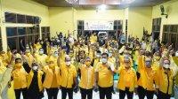 Ketua DPD I Golkar Sulsel Taufan Pawe mengobarkan semangat kader Golkar di Bulukumba untuk memenangkan pasangan Hamzah Pangki- Murniaty Makking, Senin 30 November 2020. (Ist)