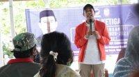 Ketua DPRD Makassar Rudianto Lallo mengajak warga di Pulau Lanjukang untuk ikut vaksin, Sabtu 17 Juli 2021. (Ist)