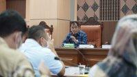Ketua Pansus Ranperda RTRW DPRD Sulsel Rahman Pina memimpin rapat perdana di Tower Lantai 9 Gedung DPRD Sulsel, Senin 21 September 2020. (Ist)