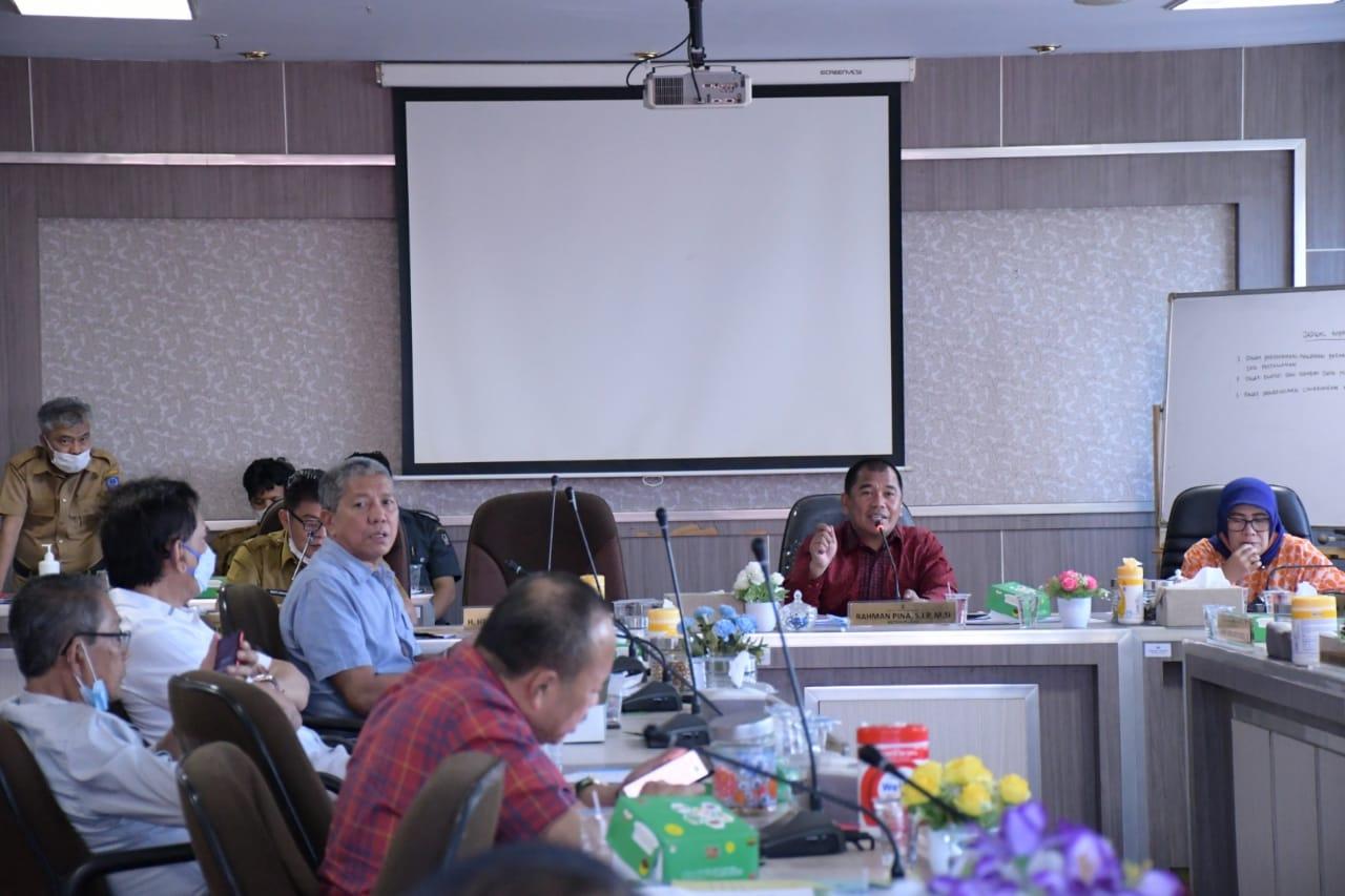Komsi D DPRD Sulsel menggelar rapat kerja dengan Dinas Energi dan Sumber Daya Energi Sulsel, Selasa 8 Juni 2021. (Dok Manifesto)