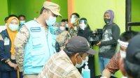 Plt Gubernur Sulsel saat meninjau vaksinasi di Luwu beberapa waktu lalu. (Int)