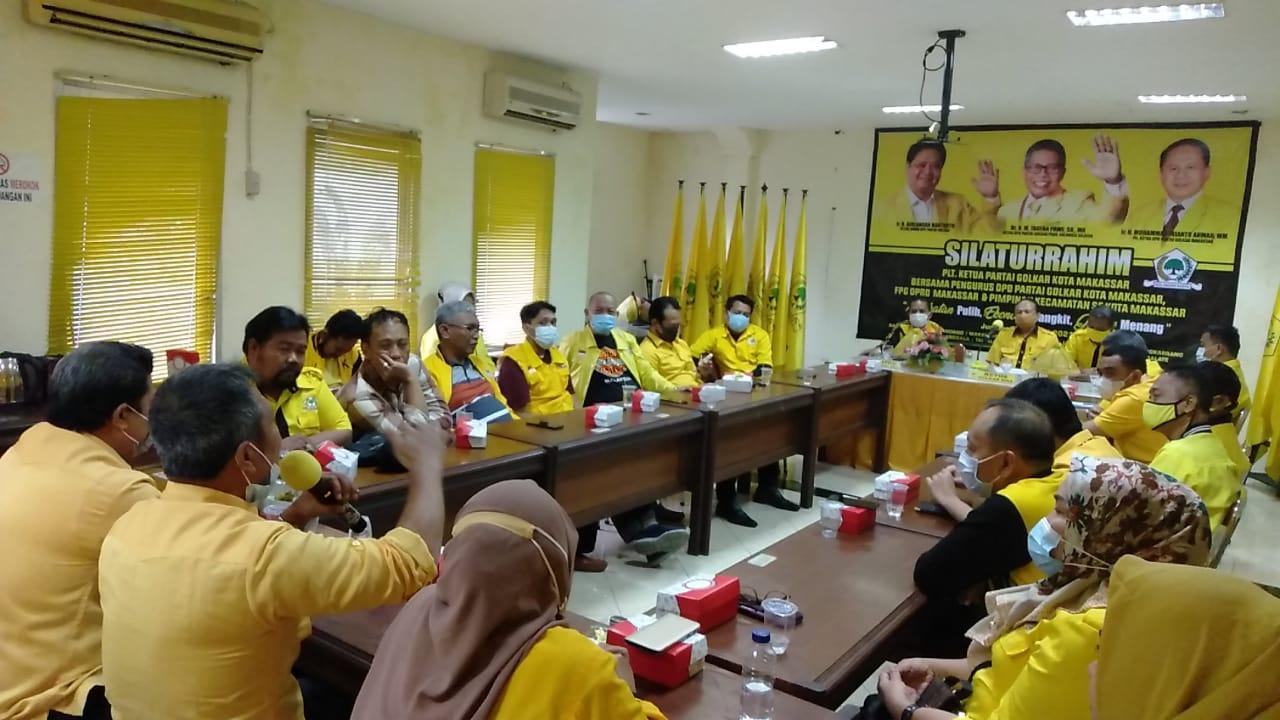 Plt Ketua Golkar Makassar mengumpulkan kader di Kantor Golkar Makassar, Jumat 8 Januari 2021. (Ist)