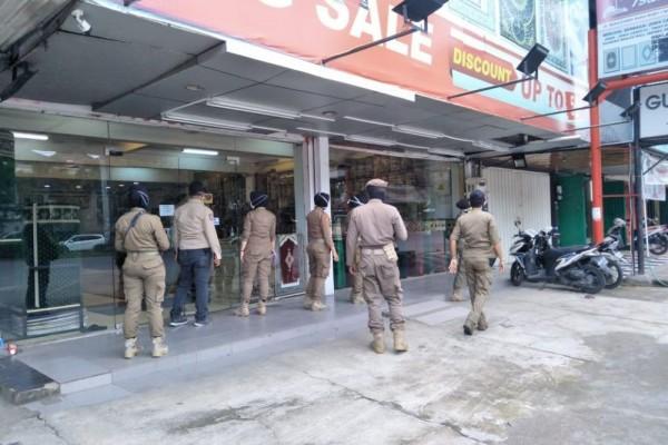 Satpol Pamong Praja Makassar akan menertibkan rumah makan, kafe, dan warung kopi yang melanggar protokoler kesehatan. (Ilustrasi)
