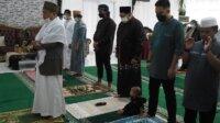 Sekprov Sulsel Abdul Hayat Gani saat Id di Rujabnya, Kamis 13 Mei 2021. (Ist)