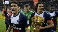 Thiahgo Silva bersama Edinson Cavani saat merayakan juara Liga Prancis musim lalu. (Int)