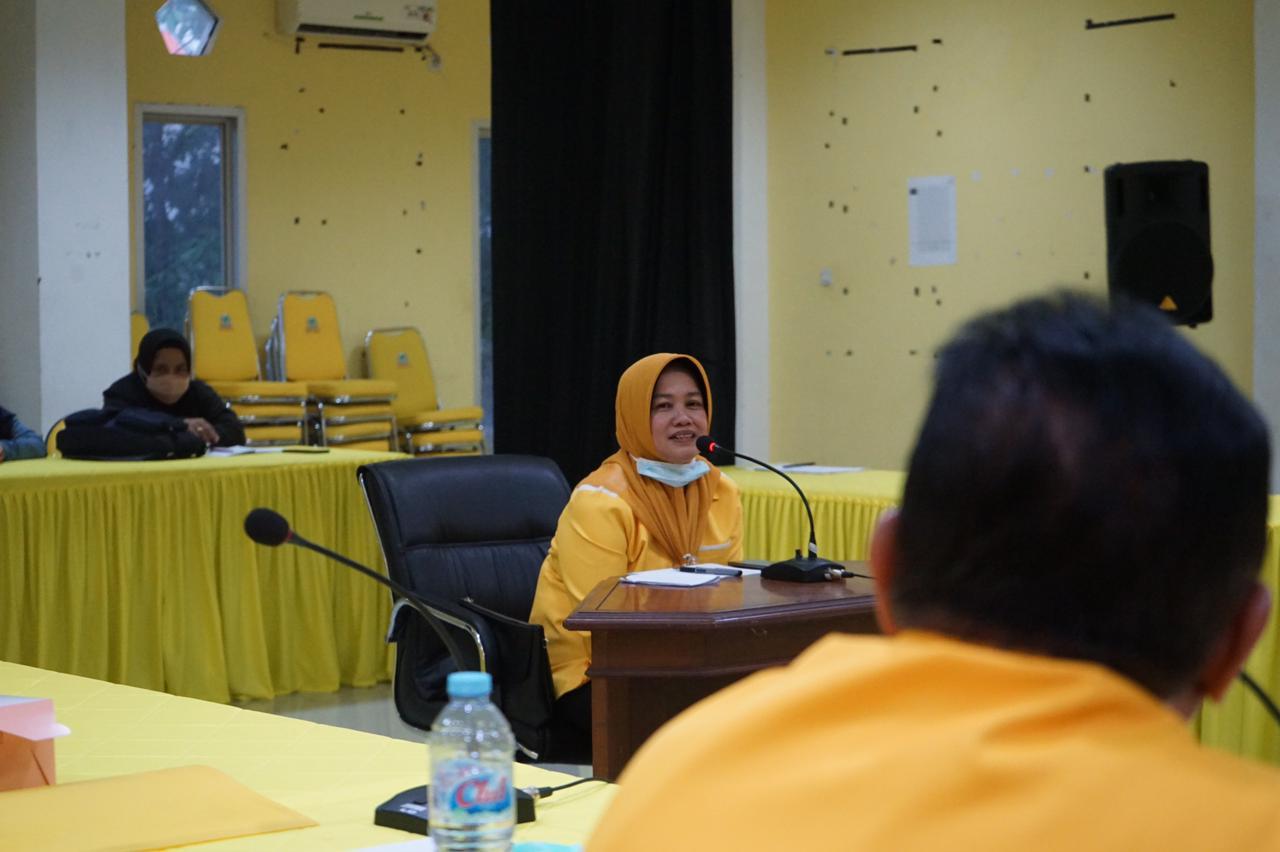 Wabup Sinjai Andi Kartini Ottong saat mengikuti uji kepatutan dan kelayakan di DPD I Partai Golkar Sulsel, Jumat 9 April 2021. (Ist)