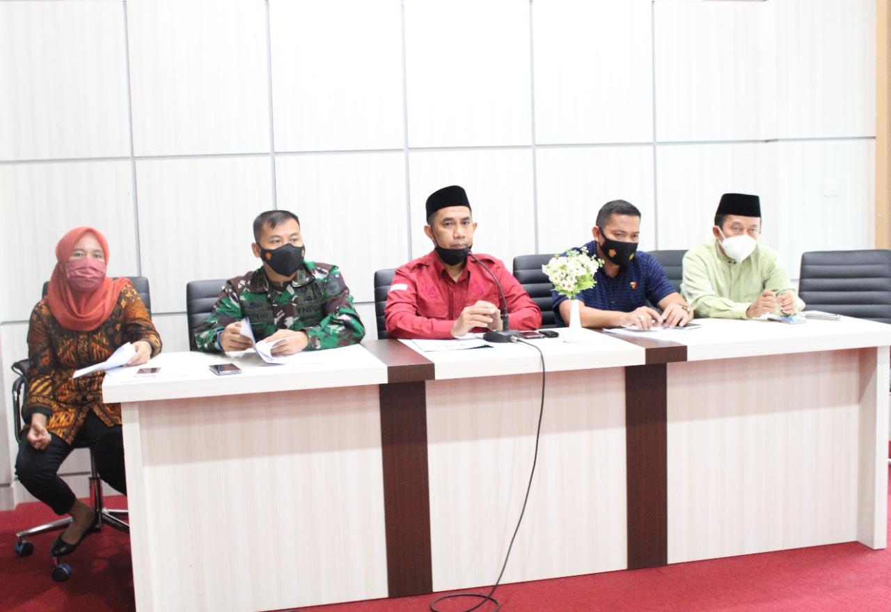 Wabup Takalar Achmad Se're memimpin rapat bersama Forkopimda menjelang lebaran. (Ist)