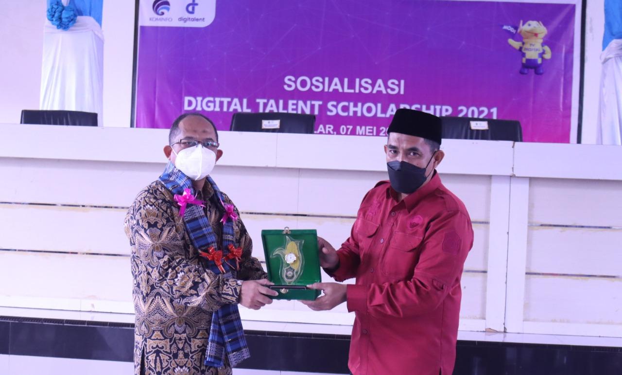 Wabup Takalar saat kegiatan Digital Talent Scholarship 2021. (Ist)