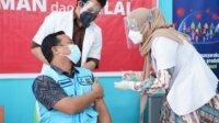 Wagub Sulsel Sudirman Sulaiman saat divaksin beberapa waktu lalu. (Ist)