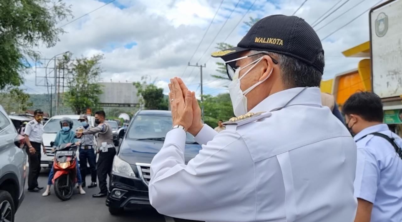 Walikota Parepare Taufan Pawe sidak di jalan Trans Sulawesi, Rabu 14 Juli 2021. (Ist)